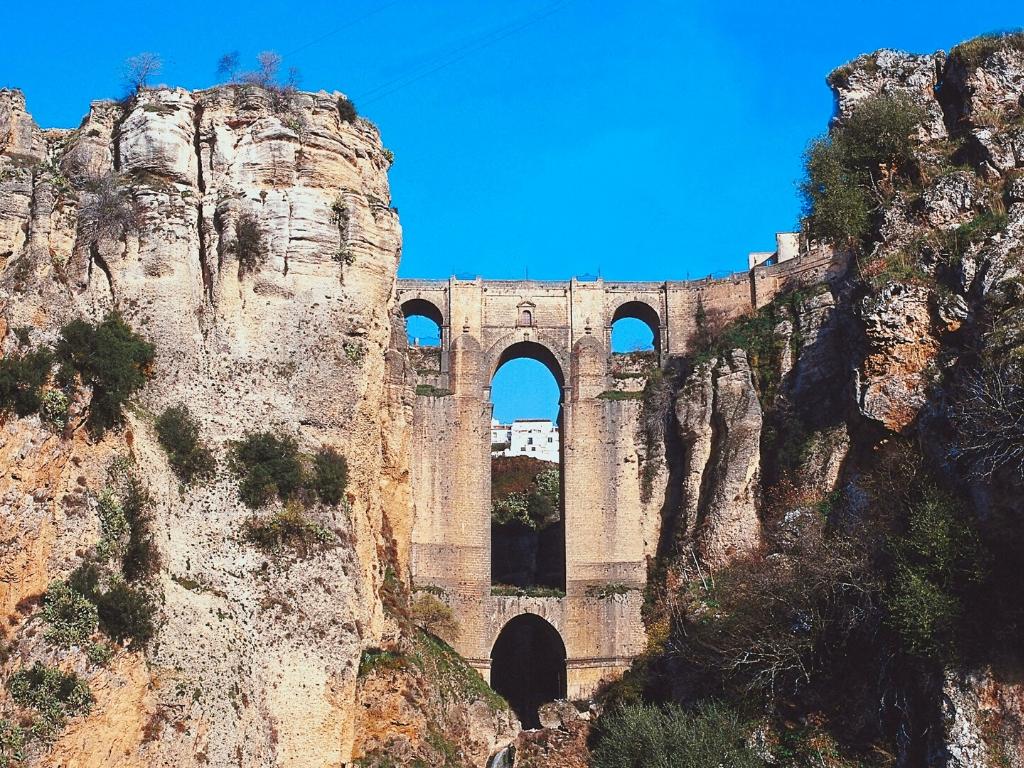 Ronda Architecture in Malaga Province - Puente Nuevo